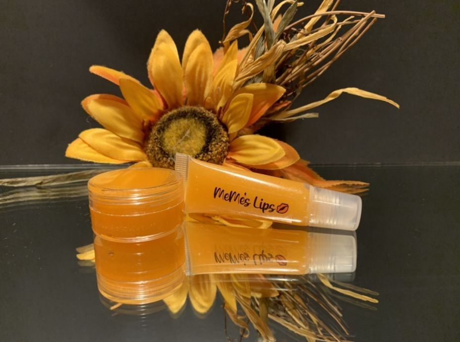 PUMPKIN SPICE LIP GLOSS AND LIP SCRUB | HEALTH BENEFITS OF NATURAL LIP PRODUCTS | MEME'S WORLD OF VIBES